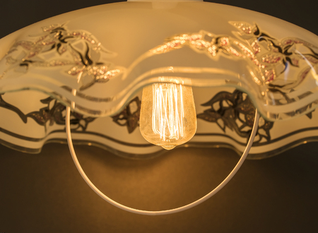 plafond: glow lamp in the lamp, shines with pleasant soft light