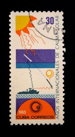researches: Un francobollo stampato a Cuba dedicato ricerche internazionali del sole, circa 1965 Archivio Fotografico