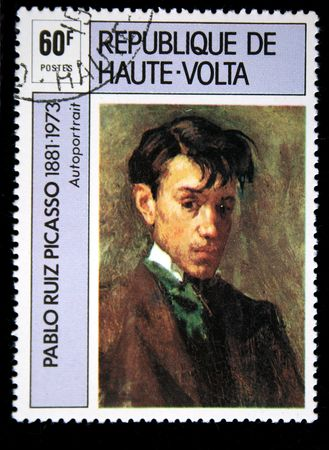 """pablo: Un francobollo stampato in Repubblica dell'Alto Volta mostra trarre da Pablo Picasso """"Selfportrait"""", circa 1973 Editoriali"""