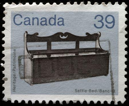 CANADA - CIRCA 1982: Un sello imprimido en Canadá muestra Settle-Bed, alrededor del año 1982
