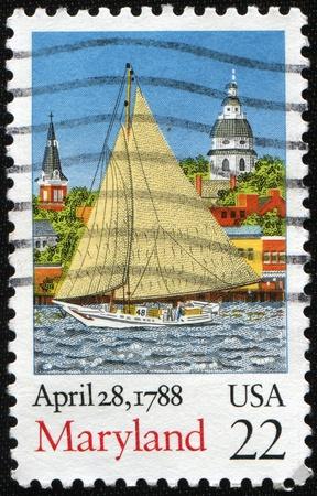 ratificaci�n: Estados Unidos - CIRCA 1988: Un sello impreso por Estados Unidos, honrando a bicentenario de ratificaci�n del Estado de la Constituci�n, la vista de muestra de Maryland, alrededor de 1988