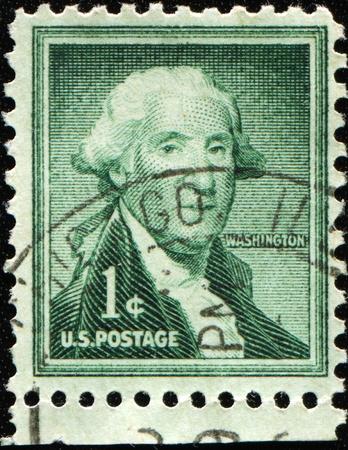 george washington: Estados Unidos de AMERICA - CIRCA 1954: Un sello imprimido en los Estados Unidos que muestra a George Washington, alrededor del a�o 1954 Editorial