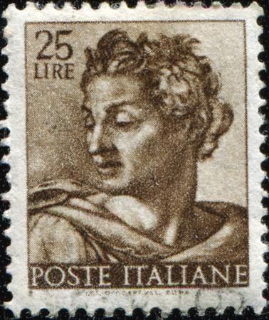 timbre postal: Italia - alrededor de 1961: Un sello impreso en espectáculos de Italia Isaías, fragmento de techo pintado de la Capilla Sixtina, Vaticano, fresco de Miguel Ángel, alrededor de 1961