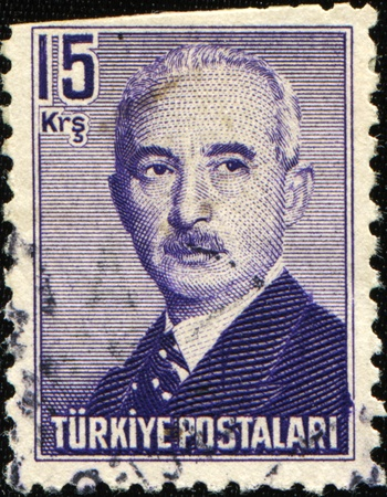 mustafa: TURKEY - CIRCA 1948: A stamp printed in Turkey shows President Mustafa Ismet Inonu, circa 1948