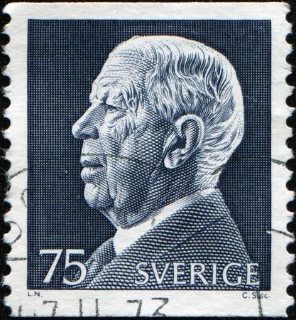 gustaf: SWEDEN - CIRCA 1975: A stamp printed in Sweden shows King Gustaf VI Adolf, circa 1975 Stock Photo