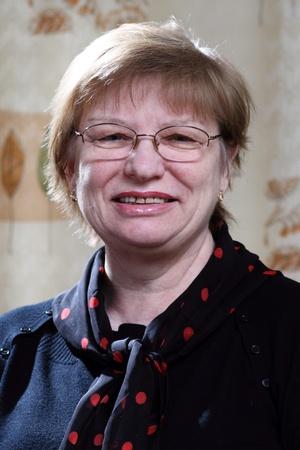 glases: senior woman in eye glases and black jumper