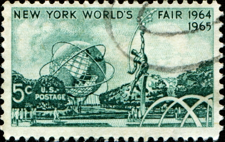 donald: UNITED STATES OF AMERICA - CIRCA 1964  a stamp printed in the United States of America shows Mall with Unisphere and rocket thrower, by Donald De Lue from New York World