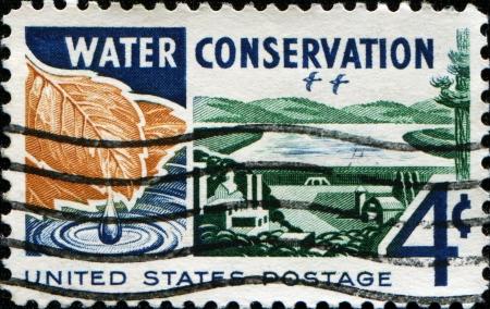 waterbesparing: VERENIGDE STATEN - circa 1960 Een stempel gedrukt in de VS gewijd aan waterbesparing, circa 1960 Stockfoto