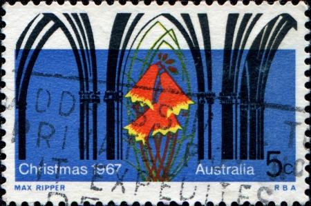 オーストラリア - オーストラリアで印刷された 1967 A 挨拶サンプ年頃示していますクリスマスの鐘とのゴシック様式アーチ、1967 年