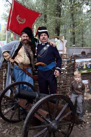 the cossacks: Stanitsa Luganskaya, Ucrania - SEPTIEMBRE 8, 2012 Zaporizhia y Don cosacos, los cosacos Internacional festival, Stanitsa Luganskaya, Ucrania, 08 de septiembre 2012