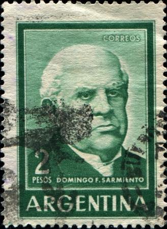 statesman: ARGENTINA - CIRCA 1962 Un timbro stampato in Argentina mostra Domingo Faustino Sarmiento - un attivista argentino, intellettuale, scrittore, statista e il settimo presidente dell'Argentina, circa 1962 Editoriali