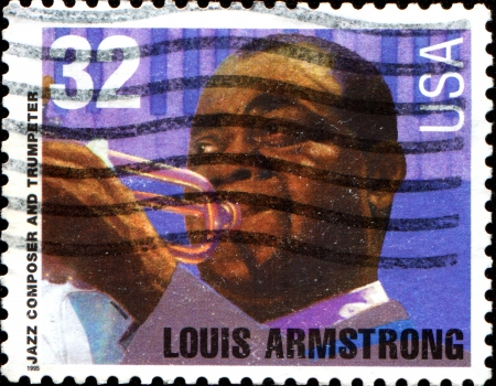 louis armstrong: USA - CIRCA 19Louis Armstrong  A stamp printed in the United States of America shows Louis Armstrong, circa 1995