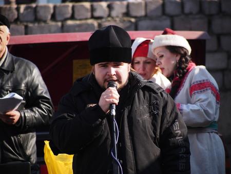 the cossacks: Ucrania, Lugansk - 01 de marzo 2014: cosacos tradicionalmente celebran el Carnaval, o el Carnaval Editorial