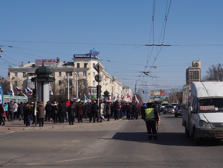 lugansk: UKRAINE, LUGANSK - March 1, 2014:    In what was supposed to be an old regime rally in Lugansk against anarchy and disorder turned into a rally to support the Russian occupation of Crimea.  About ten thousand supporters of the Party of Regions and state