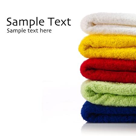 lavanderia: Toallas sobre un fondo blanco