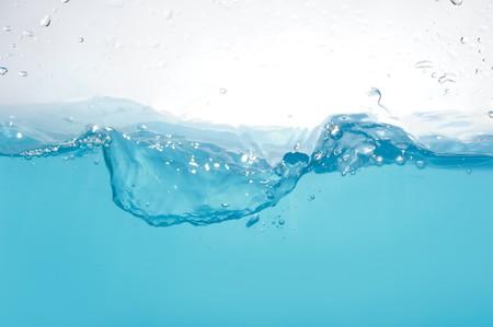levels: Water golven geïsoleerd op witte achtergrond Stockfoto