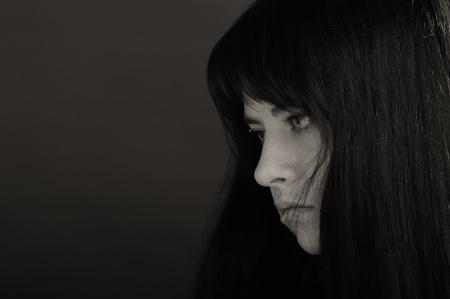 Retrato de niña Morena sobre fondo oscuro Foto de archivo - 9567477