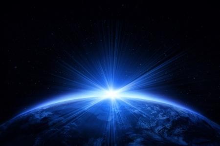 paz mundial: El planeta Tierra con la salida del sol