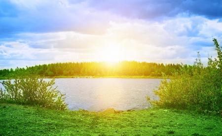 woods lake: Bellissimo paesaggio con il tramonto Archivio Fotografico