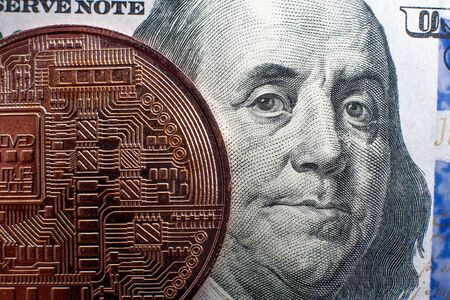 Bitcoin coin and dollar bills Imagens