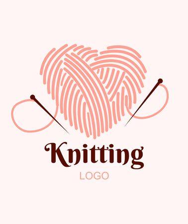Logo di lavoro a maglia. Gomitolo di lana a cuore con aghi. Illustrazione vettoriale Logo