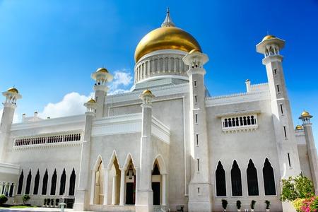 omar: The Sultan Omar Ali Saifudding Mosque, Bandar Seri Begawan, Brunei, Southeast Asia