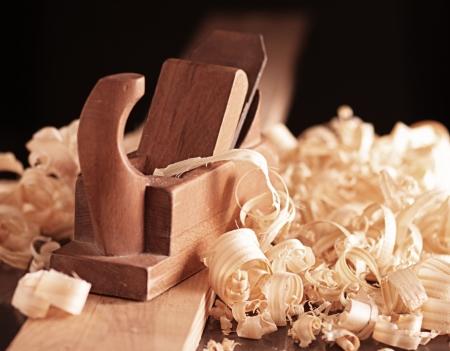 carpintero: Plano de madera vieja y afeitado