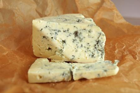 紙の上のロック フォール チーズ