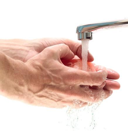 waterpipe: El hombre que lavarse las manos con jab�n.