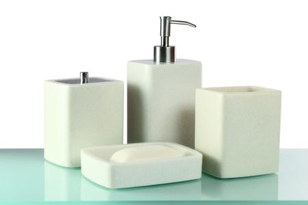 artigos de higiene pessoal: toiletries on a glass table