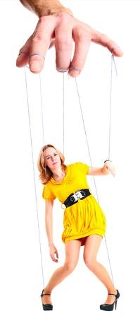 puppet woman: Mano del hombre, la mujer de funcionamiento.