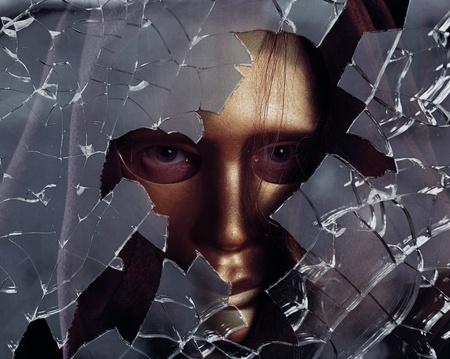 ghost face: uomo in maschera d'oro, si concentrer� su un centro.