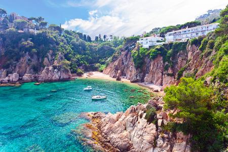 Zeegezicht. Mediterrane kust van Spanje, Costa Brava