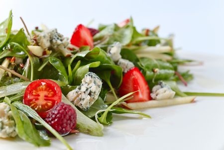 green salad with Gorgonzola and berries
