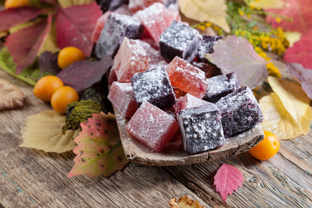 membrillo: Solid homemade marmalade .Traditional sweetness in the Baltic States . Made from chokeberry Aronia , Japanese quince and rhubarb .