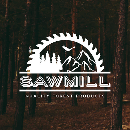 sawmill label on forest background 版權商用圖片 - 42584462
