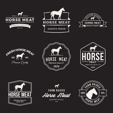logos restaurantes: vector conjunto de etiquetas de caballos de alta calidad de carne, escudos y elementos de diseño con texturas grunge