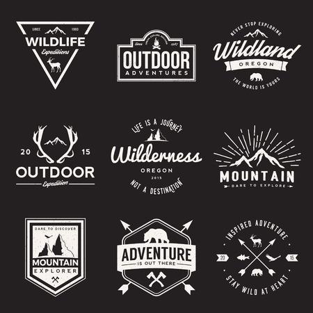 Vektor-Satz von Wildnis und Natur Exploration vintage Logos, Embleme, Silhouetten und Design-Elemente. Outdoor-Aktivitäten Symbole mit Grunge Texturen Illustration