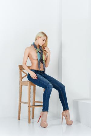 Mooi meisje poseren naakt Stockfoto
