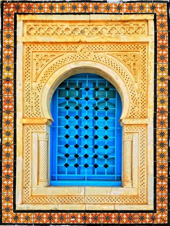 Versierd arabische stijl huis venster, Tunesië, Afrika Stockfoto