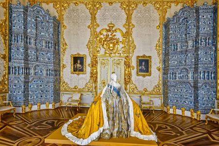 empress: Life-size paper mache sculpture of Empress Elizabeth Petrovna in her official court attire at Catherine Palace in Tsarskoe Selo (Pushkin), St. Petersburg, Russia.