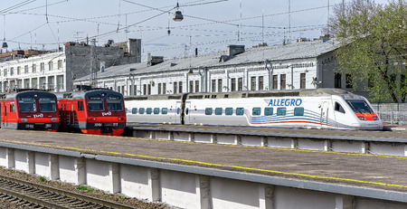 allegro: The Allegro high-speed train ready to departure from St Petersburg (Russia) into Helsinkis main railway station (Finland). Built by Alstom, and jointly owned by the Finnish and Russian Railways, Allegro is a Pendolino class train specially equipped to ope