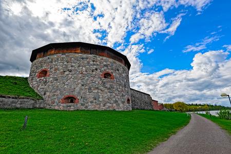 castello medievale: Castello medievale nella citt� di Hameenlinna, Finlandia a primavera