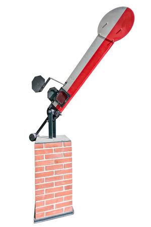 palanca: Vista de primer plano de semáforo ferroviario de edad con blanco-rojo palanca en posición de ladrillo