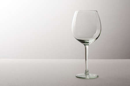 tomando vino: Tall wine glass
