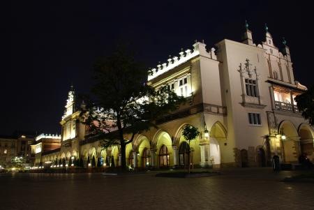 cracovia: Sukiennice, the Cloth Hall - a landmark of Rynek  the market square  in Krakow, Poland