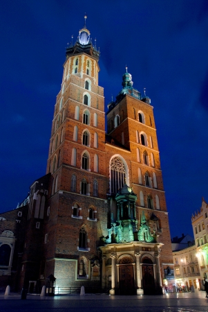 Church of St Mary Kosciol Mariacki auf dem Marktplatz in Krakau, Polen