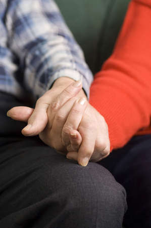 he old: Couple holding hands