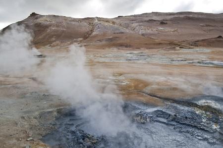 fumarole: Fumarola en el campo de Namafjall (Islandia) Foto de archivo