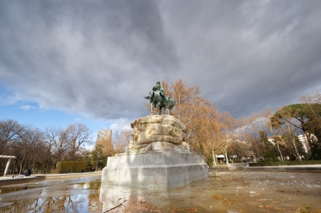 martinez: Monument to General Martinez Campos  It is located at Retiro Park, Madrid, Spain  It was designed by Mariano Benlliure and inaugurated on January 28, 1907